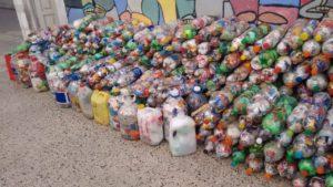 Botellas de Amor - Foto: tomada de www.entrediagonales.com